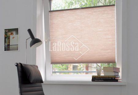 , Plisseeritud žalusiid standardsetele akendele, juhitavad käepideme abil – 4 tüüp, Larossa - Uksed24.ee
